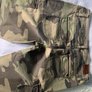 Guess army pattern pants